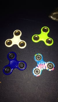 4 fidget spinners for 5$ Moncton, E1C 9T4