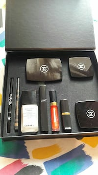 Set di cosmetici Chanel con scatola Mantova, 46100