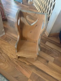 chair for many in good condition located in shakopee  Shakopee, 55379