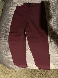 Women's burgundy pants brand new Federal Way, 98023