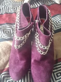 pair of purple suede booties Fort Erie, L2A 3X1