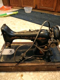 Old Singer sewing machine South Bend, 46628