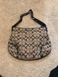 Brown coach monogram hobo bag 39 mi