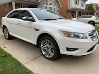 2011 Ford Taurus limited loaded clean title Dearborn