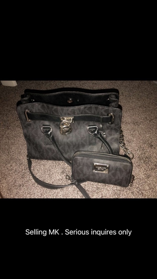 b5aa25b2666f Used Michael Kors Purse and Wallet Set for sale in Lithonia - letgo