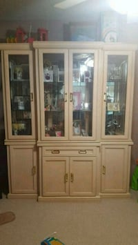 China cabinet / display cabinet Calgary, T3K