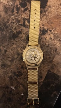 round gold-colored chronograph watch with link bracelet Winnipeg, R3B