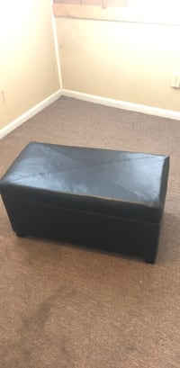 Black leather ottoman  Morgantown, 26505