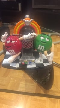 M&M gum dispenser  Laval, H7W 5K9