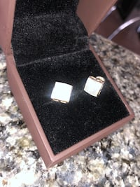 New! 18k Gold Earrings with diamonds  Markham, L6G 0G6