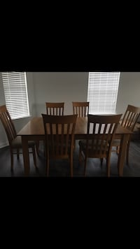 Canadel Birchwood Dining Table wirh 6 Chairs and Two Leaves Chesapeake, 23322