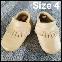 Boys beige sand Moccasins shoes size 4 Inman, 29349