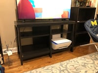 TV STAND Chicago, 60610