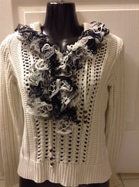 Childs frilly scarf