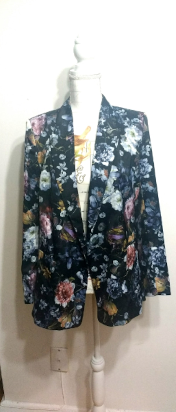 New H&M W/ Tags Floral Sateen Blazer