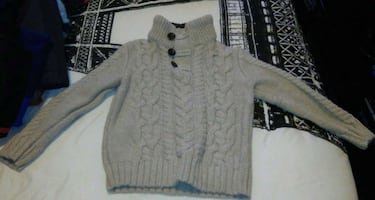 Gap gray knitted sweater!