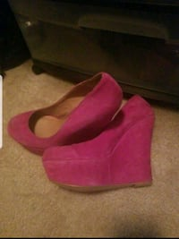 Steve Madden suede wedge shoes