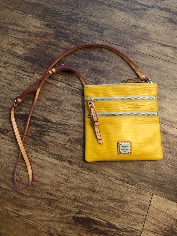 2613d7d888b3 Yellow and brown leather crossbody bag. HomeUsed Fashion and Accessories in Texas  Used Fashion and Accessories in Fort Worth
