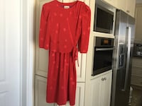GORGEOUS RED DRESS SIZE SMALL NEW CONDITION. Montréal, H9K 1S7
