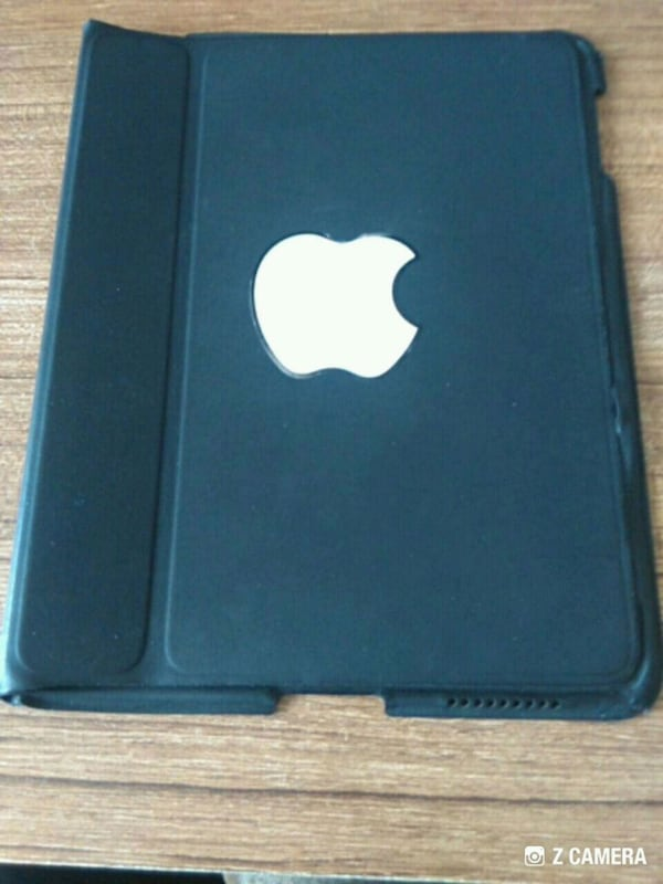 İNDİRİM   ORJİNAL  APPLE  TABLET  KILIFI   BOY 25.CM  EN 20.CM 0