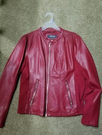 red leather zip-up jacket Bakersfield, 93304