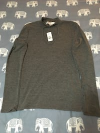 BNWT- women's grey plunging neckline long sleeve $3