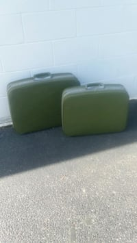 Pair of vintage suitcases Virginia Beach, 23464