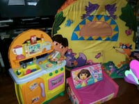 Dora play kitchen ,Tent, & ,fold out Couch Englewood, 80110