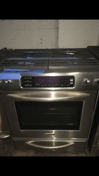 Kitchen Aid Gas Range in excellent condition Baltimore, 21223