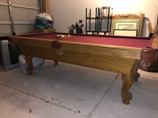 Brown and red billiard table MUST GO! def0303c-c9ba-4cc5-9ab3-b1ca656921df