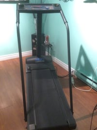 Weslo Cadence 860 Treadmill....hardly used and is in excellent condition(pickup only) Montréal, H1E