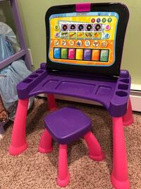 Vtech activity desk. Great condition, barely used 257 mi
