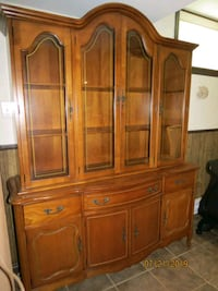 China cabinet with matching curio  Barrie, L4M 5K7
