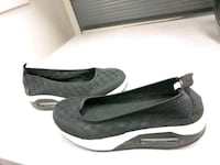Brand new, comfortable shoes with thick soles -$15 558 km