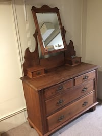 antique maple dresser with nirror Vancouver, V6N 3J6