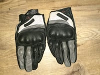 Can-am riding gloves size xl