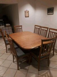 Oak dining table and chairs Vaughan