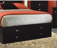 Platform storage bed queen bedroom set