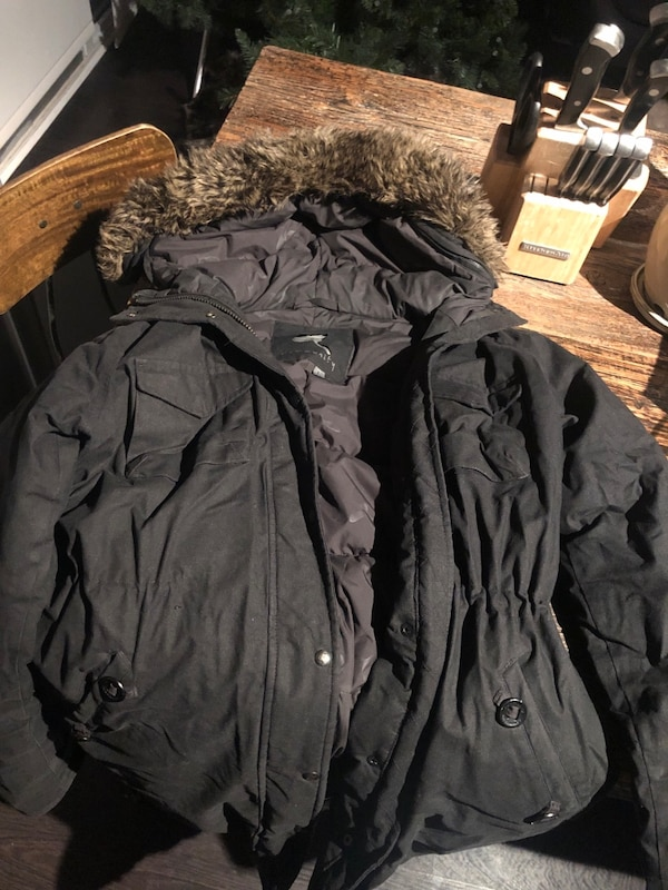Aritzia Community Jacket size Large