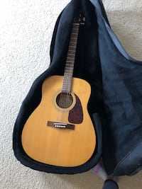 Fender acoustic with soft case Arlington, 22204