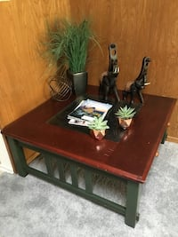 Brown Wooden Coffee Table W/Glass Los Angeles, 90046