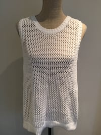 White knit top size large