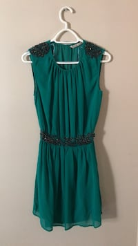 Women's green sleeveless dress 535 km
