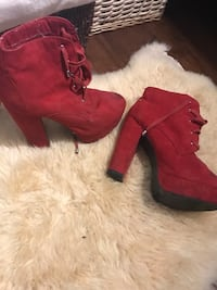 Red boots size 10 Port Coquitlam, V3B 7M2