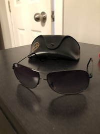 black framed Ray-Ban aviator sunglasses MONTREAL