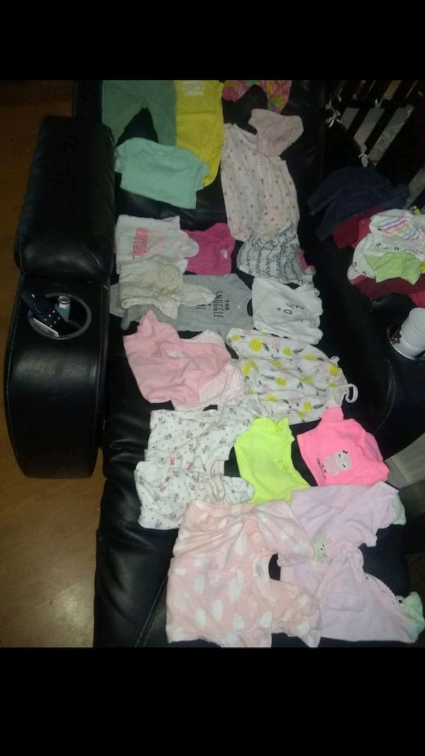Baby girl clothes 0-3 months f3bd97fa-a5d2-4971-be54-87cf22123270