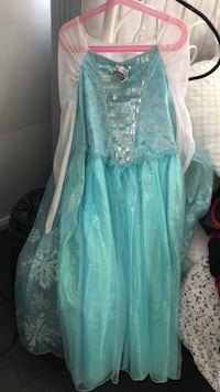 Elsa let it go costume worn only once! For age 8-10 Toronto, M3B 2V2