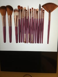 Makeup brushes 18pcs -Serious buyers only