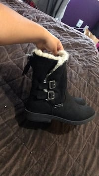 pair of black suede boots Watsonville, 95076
