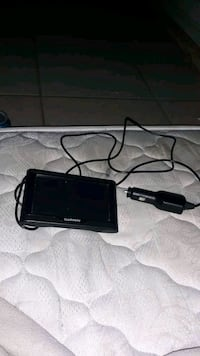black Garmin car GPS with charger Bakersfield, 93301
